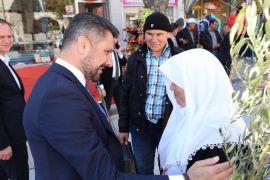 Başkan Yüzügüllü halk pazarında