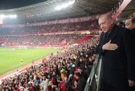 Cumhurbaşkanı Erdoğan'dan Eskişehirspor'a reklam panosu jesti