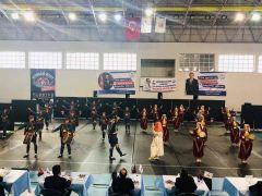 Cumhuriyet Anadolu Lisesi Halk Oyunları ekibi Türkiye finalinde
