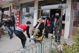 Engelli seçmenler sandığa taşındı