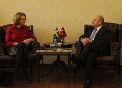 İsveç Büyükelçisi Hellgren'den Vali Çakacak'ı ziyaret etti