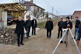 Oklubalı'da kilit taşsız sokak kalmıyor