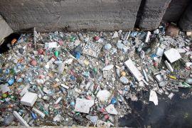 Su kanalı çöpten geçilmiyor