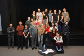 Tiyatro sanatçısı Erdal Küçükkömürcü öğrencilerle buluştu