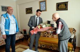 Yaşlı hastalar evlerinde ziyaret edildi