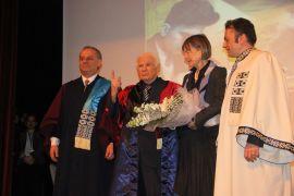 Yüzyılın Beyin Cerrahı Prof. Dr. Yaşargil'e Fahri Doktora tevdi verildi