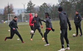 Eskişehirspor İstanbulspor'u yenip nefes almak istiyor