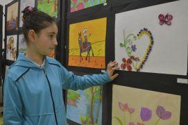 Gülay Kanatlı Ortaokulunda yıl sonu resim sergisi açıldı