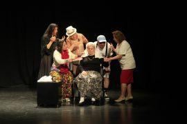 Odunpazarı'nda 'Garip Saçma Küçük Şeyler' tiyatro oyunu