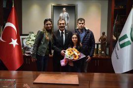 Satranç şampiyonundan Başkan Ataç'a ziyaret