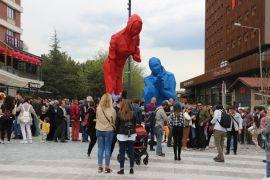 Cassaba Modern'in heykelleri açıldı