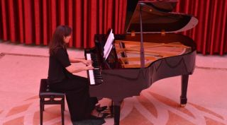 Doç. Lilian Tonella Tüzün'ün piyano resitali müzikseverleri büyüledi