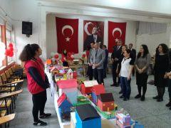 Eskişehir Battalgazi Ortaokulu'nda 'Yıl Sonu Sergisi' yoğun ilgi gördü