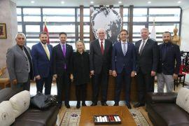 Kızılay'dan Başkan Kazım Kurt'a ziyaret