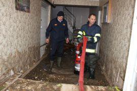 Eskişehir'de evleri su bastı