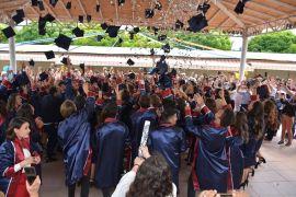 Eskişehir Tayfur Bayar Anadolu Lisesi'nin mezuniyet töreni coşkulu geçti