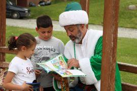 Nasreddin hoca yerli ve yabancı turistlerle buluştu