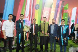 Ülkelerinden uzakta mezuniyet sevincini yaşadılar