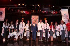 Ulusal ve uluslararası yarışmalarda dereceye giren öğrencilere ödül verildi