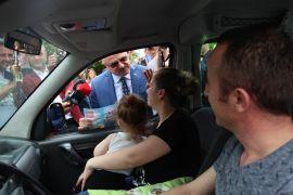 Vali Çakacak'tan çocuklara 'Trafik Karnesi'