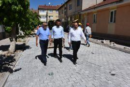 Başkan Bozkurt, kilit taş çalışmalarını inceledi