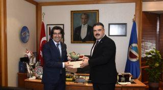 Ziraat Bankası Genel Müdür Yardımcısı Alpaslan Çakar, Rektör Çomaklı'yı ziyaret etti