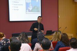Açıköğretim'de araştırmalarda yaygın yöntem sorunları konuşuldu