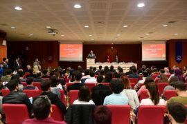 Anadolu Üniversitesi'nde her yönüyle e-ticaret ele alındı