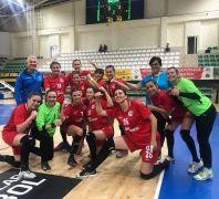 Anadolu Üniversitesi Kadın Hentbol Takımı zirveyi sevdi: 33 -30