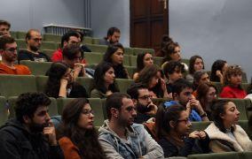 """Uluslararası Tiyatro Festivalinde """"Çağdaş Sahnenin Seyri"""" konuşuldu"""
