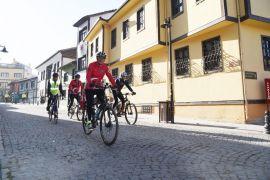 Anıtkabir'e ulaşmak için 600 kilometre pedal çevirecekler