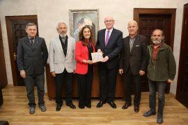 Eskişehir Turizm ve Tanıtma Derneği'nden Kazım Kurt'a teşekkür ziyareti