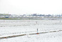 Kurak günlerde yağan kar, çiftçinin yüzünü güldürdü