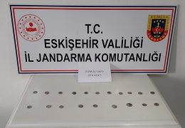 Satılması için Eskişehir'e getirilen 25 gümüş sikke ele geçirildi