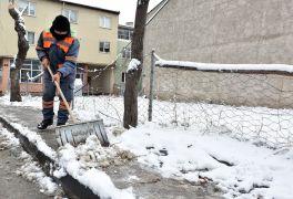 Tepebaşı'nda karla mücadele çalışmaları başladı