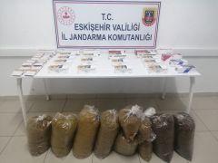 Doldurulmuş makaron satışı yapan 2 işletme sahibi yakalandı