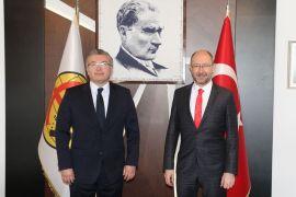 Rektör Erdal'dan Eskişehirspor'a 1.000 adet fidan desteği