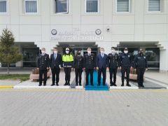 Jandarma omuz omuza görev yaptığı polis teşkilatını unutmadı