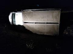 Kendiliğinden hareket eden kamyonet uçurumdan aşağı yuvarlandı