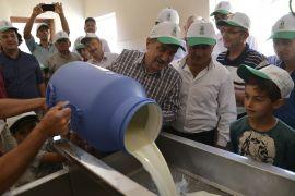 Süt üreticilerinin emeği kazanca dönüşüyor