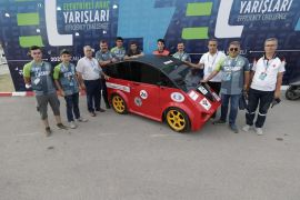 Eskişehir temsilcisi elektrikli otomobil TeknoFest'ten 'En İyi Tasarım' ödülüyle döndü