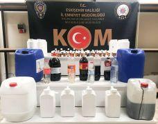 Eskişehir'de bir araçtan 40 litre el yapımı alkol çıktı