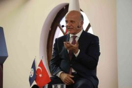 """Daha İyi Yargı, Eskişehir Barosu ve Kent Konseyi paydaşlığında """"A'dan Z'ye Türk Yargı Reformu"""" konferansı"""